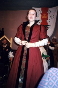 Another pic of the gown without a farthingale. It was more likely to be worn without a farthingale by women of the merchant classes than with.
